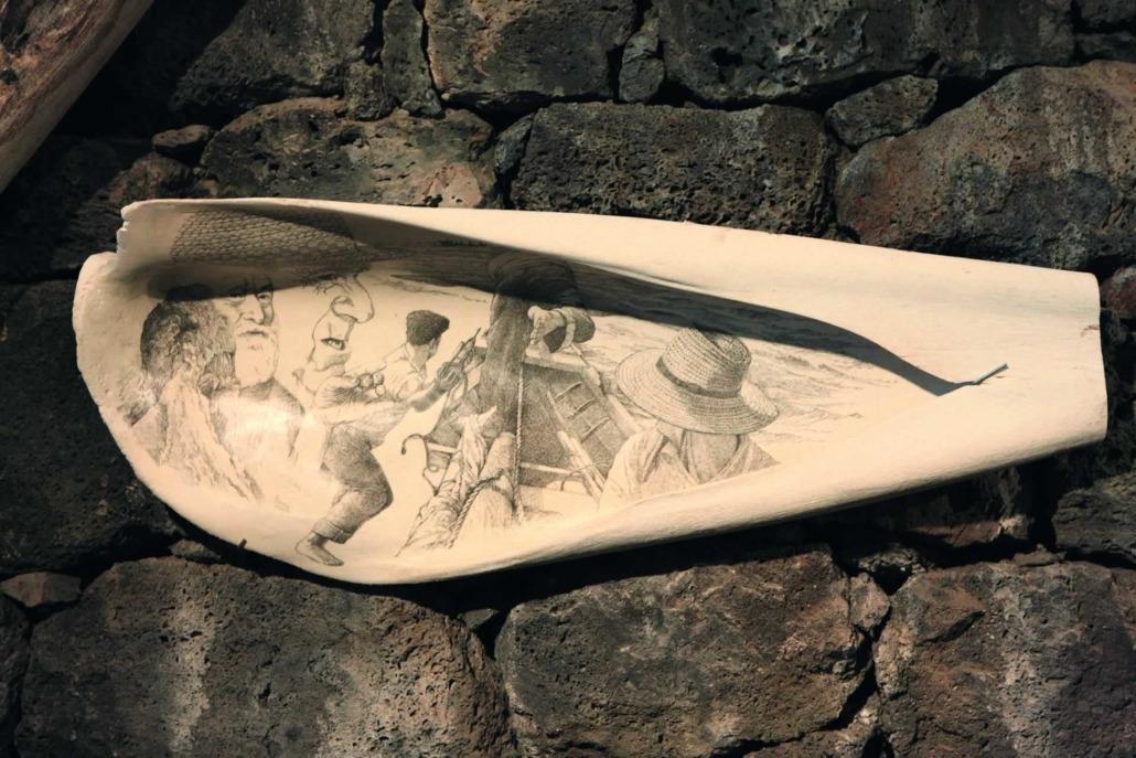 Île de Pico, Musée des Baleiniers, pièces en os et en dent de baleine jadis sculptées et gravées