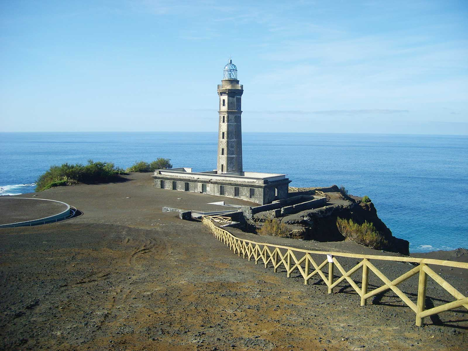 Excursion Tour de l'île de Faial, en passant par Caldeira, le phare de Ponta de Capelinho...
