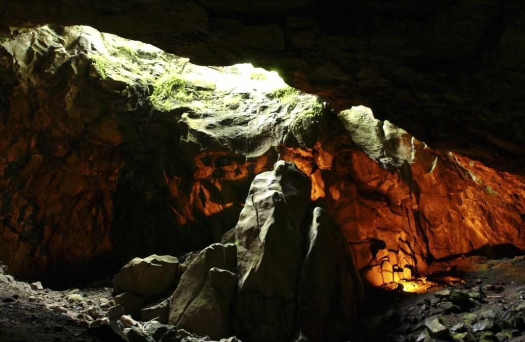 Île de Graciosa et sa majestueuse caverne de la Furna do Enxofre, phénomène géologique unique au monde